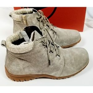 PROPET Leather Lace Up Ankle Boots Sand NIB